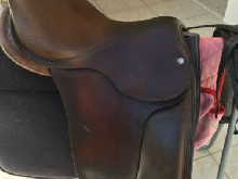 SELLE DE DRESSAGE GUY CHANEL tout cuir N° de série 1726500304 2D