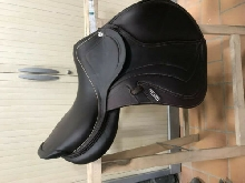 Wintec Dressage Saddle Black 18 inch. With Cair. Black.
